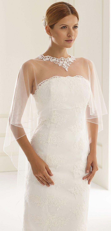 Our bolero E190 as perfect detail to compliete vintage wedding look! #biancoevento #biancobride #boleros #wedding #weddingideas #vintagewedding #bridalaccessories #bridalfashion