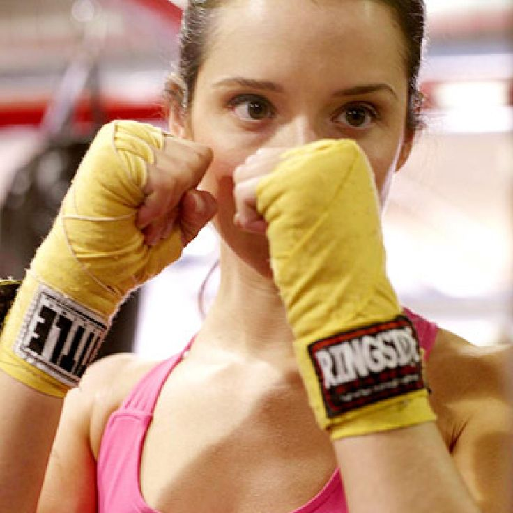 FITNESS Beauty editor (and self-proclaimed girly-girl) Leah Wyar swaps her usual routine for a hardcore boxing class and learns the true meaning of the word knockout. - Fitnessmagazine.com