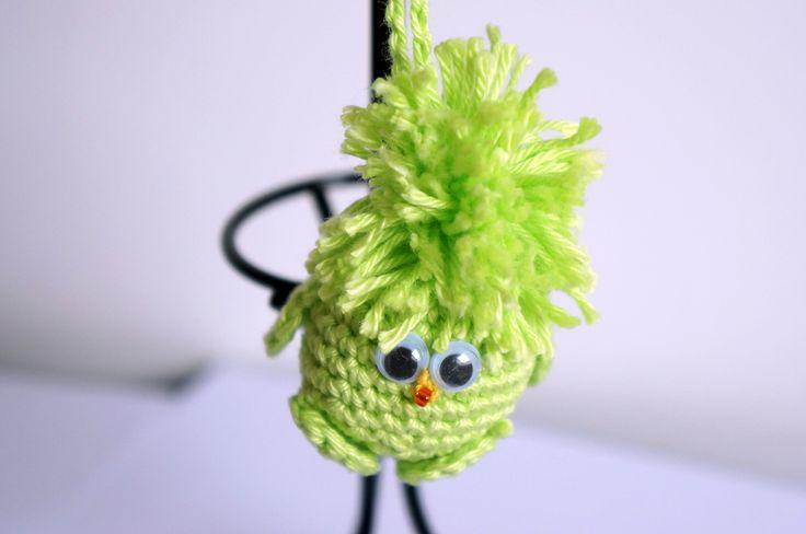 Porte-clés ou bijou de sac petit oiseau ou piou-piou vert néon : Porte clés par lesbijouxdunibou
