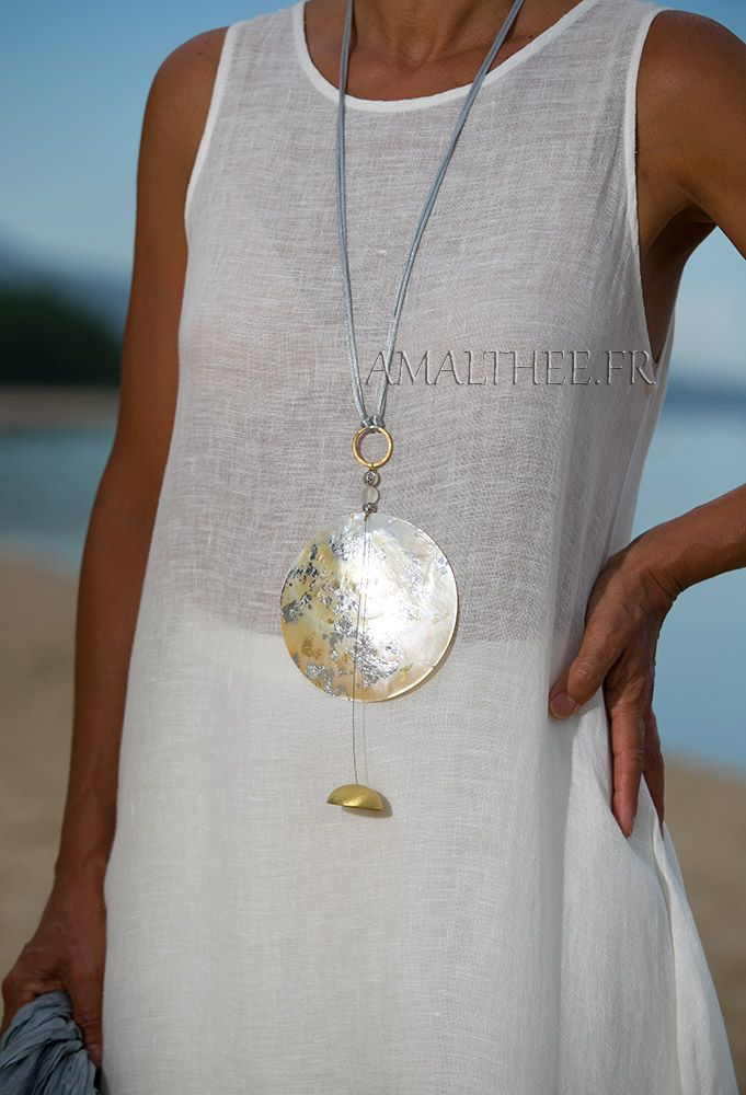 Mother of pearl contemporary pendant -:- AMALTHEE -:- n° 3411