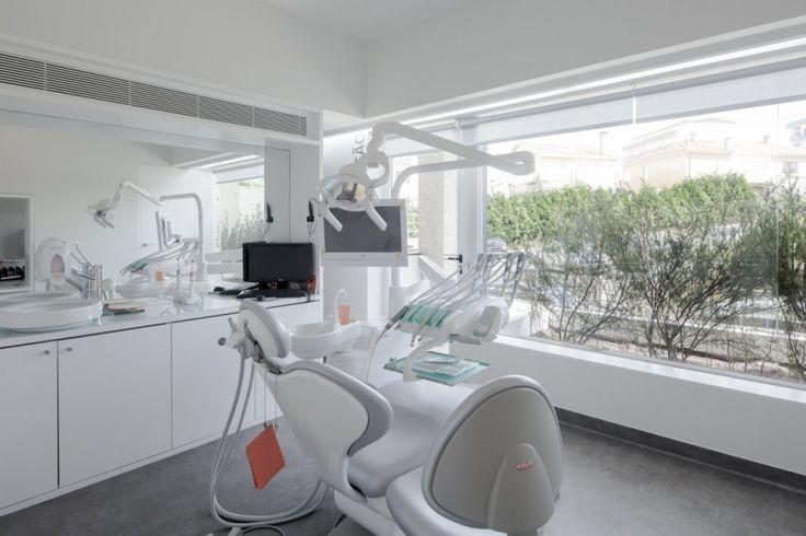 Dental Clinic by Paulo Merlini