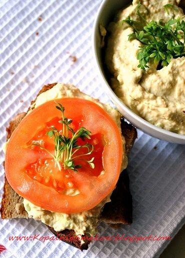 Kopalnia Smaków...: Pasta serowa z awokado