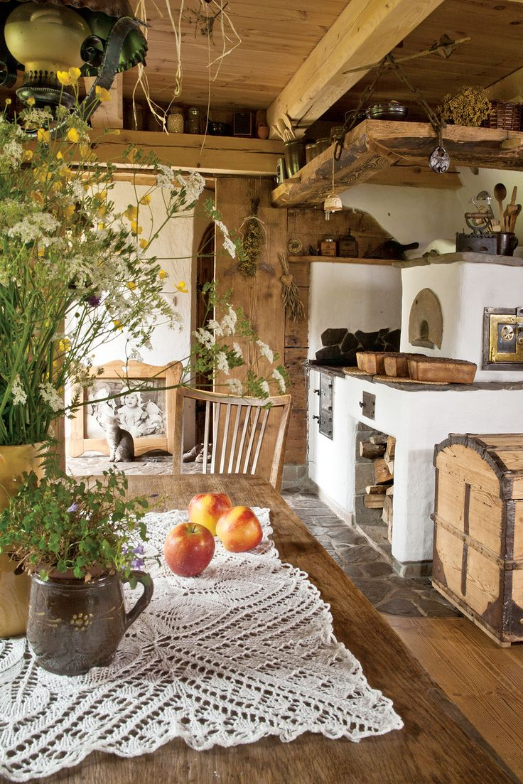I would love to have a country kitchen this way. It looks so relaxing, it would be great to walk into after a day out with two crazy kiddos