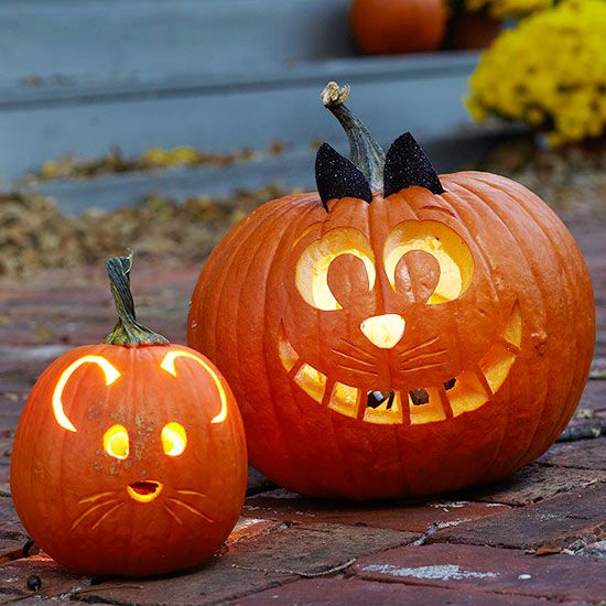 Your kids will love this Cat and Mouse combo! Get more pumpkin carving tips here: http://www.bhg.com/halloween/pumpkin-decorating/pumpkin-carving-ideas-for-kids/?socsrc=bhgpin081114catandmousepumpkins&page=2