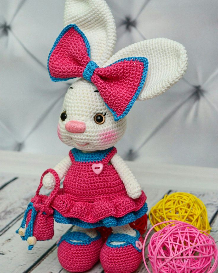 Fabulous pattern, so easy to follow. I can't wait for the little girl I made it for to receive it