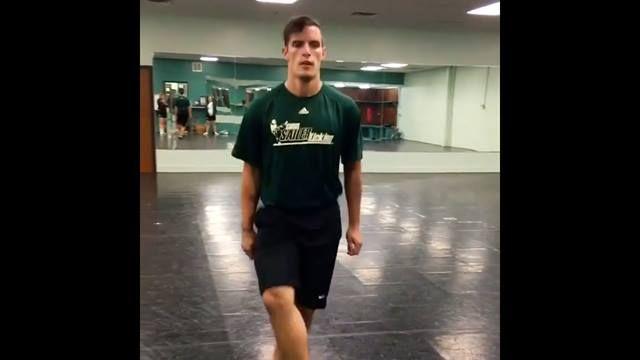¿Sabías que algunos jugadores de fútbol americano utilizan la danza irlandesa como parte de su entrenamiento? 😉🏈   #FusionFighters 📽 #Video #IrishDance 🇲🇽 #InishfreeMexico™️ 🍀 #TaniaMartínez 👯 #InishfreePedregal 🇲🇽 #InishfreeToluca 👉 #Academia de #DanzaIrlandesa 🏈 #NFL #Football