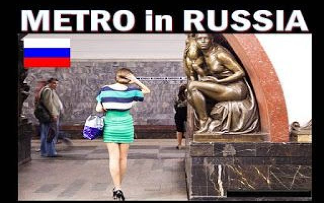 Le Metropolitana in Russia un Mix fra Museo e Belle Ragazze La metro di Mosca e San Pietroburgo un mix fra un museo e pieno di belle ragazze.  Mosca è la capitale nonché il principale centro economico e finanziario della Federazione Russa.  Secondo Forbes #russia #mosca #hot #metro #museo