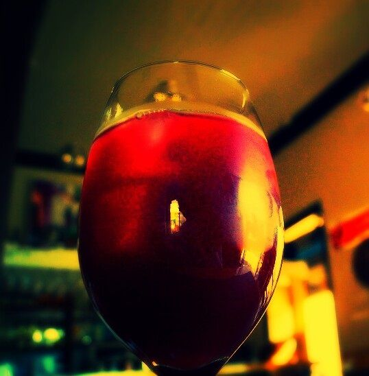 Y esta sangría la pueden encontrar en La Ibérica , restaurant español en Av Italia esquina Santa Isabel .