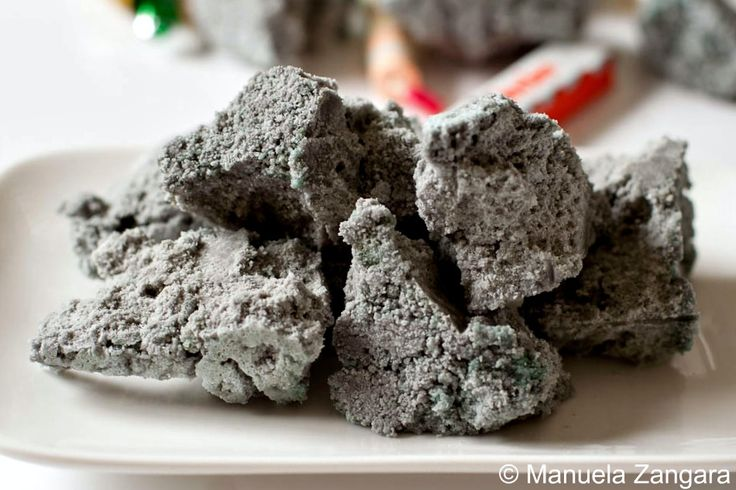 Carbone Della Befana - Sweet Coal:  How to make carbone - the sweet edible coal that Befana gifts Italian children on the day of the Epiphany!