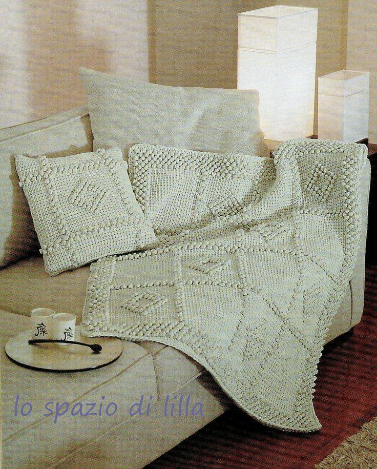 lo spazio di lilla: Uncinetto tunisino: il cuscino ed il plaid con le noccioline 1