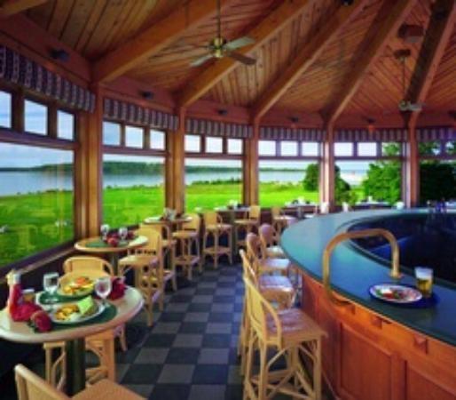 Round Island Bar And Grill Mackinac Island Restaura Mackinac