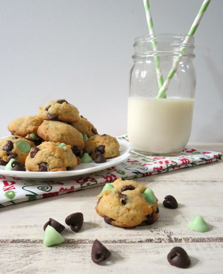 Mint Chocolate Chip Cookies #Healthierholidays
