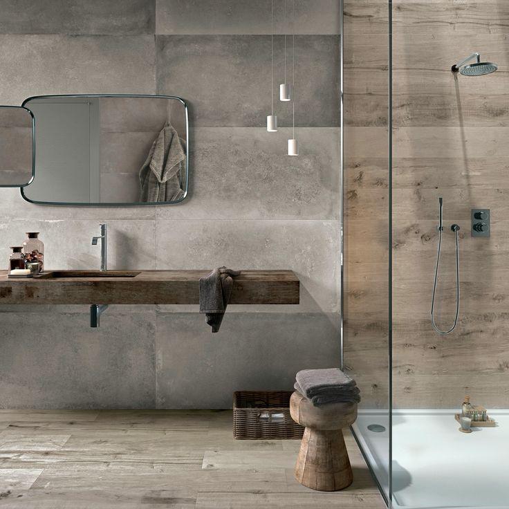Hout en betonlook badkamer. Lampjes boven wastafel