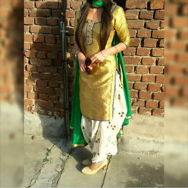 "726 Likes, 6 Comments - Kudiyan Punjab Diyan (@kudiyan.punjab.diyan) on Instagram: ""In pic @balpr3t_sidhu  #kudiyan #punjab #diyan #tohari #mutiaran #shoutout #patialashahi #suit…"""