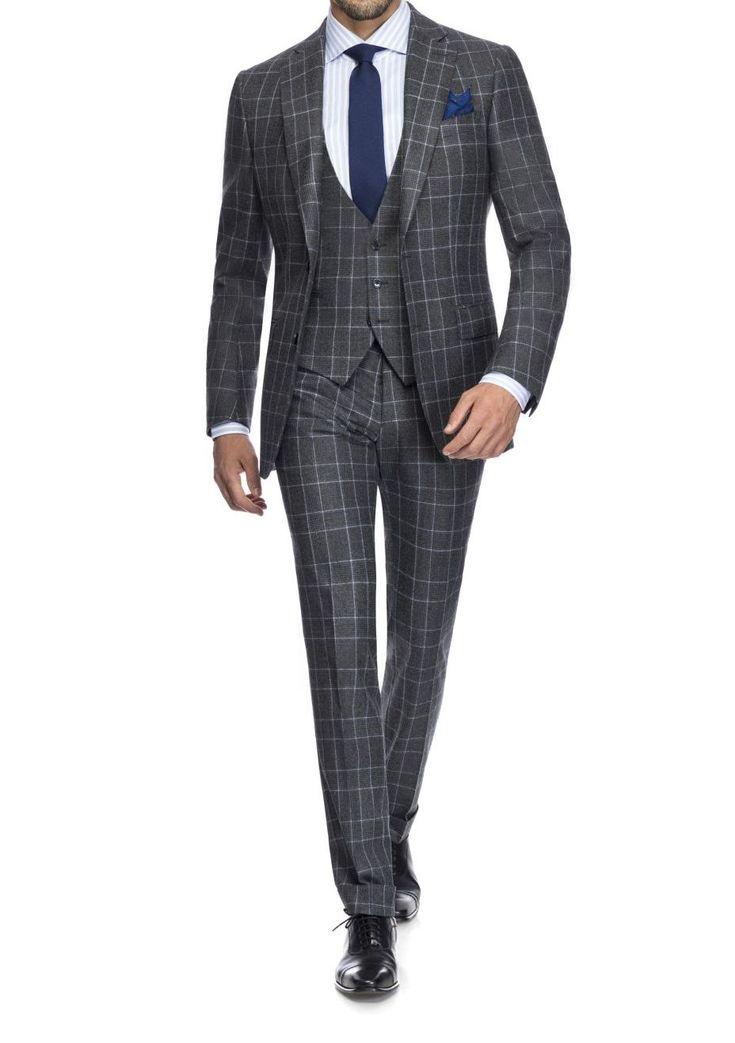 Classy - not only for a #businesssuit   #madetomeasure #massanzug #masshemden #bespoke  #bespoketailoring #zürich #switzerland #flanellanzug  #masssakko #weste #menswear  #dapper #gentlemen #herrenausstatter #anzug #mensfashion #styleinspiration #suits #suited #suitedup #mensuit #businesssuit #suitup #3piecesuit #fashioninspiration #bespoke #mensstyle #suit #flanell