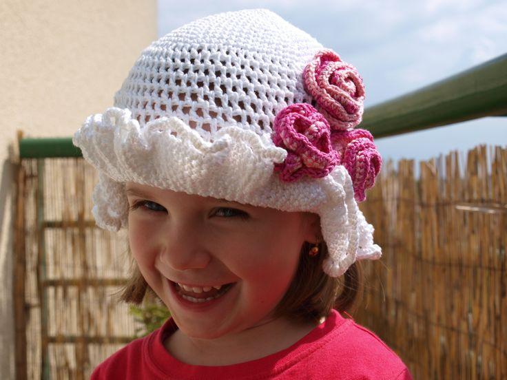 háčkovaný klobúčik pre dievčatko