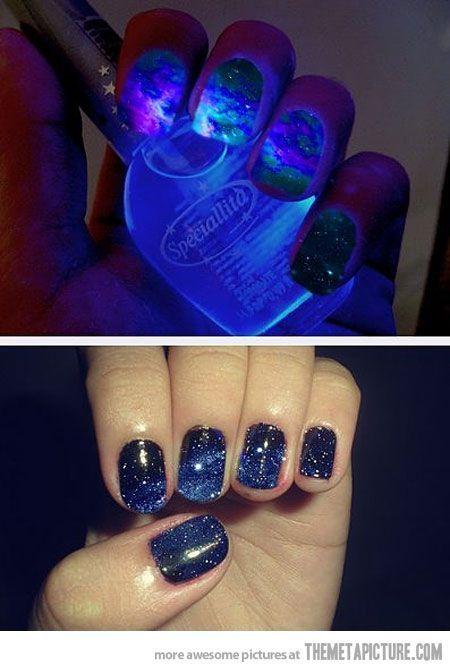 Glow in the dark galaxy nails. ❤