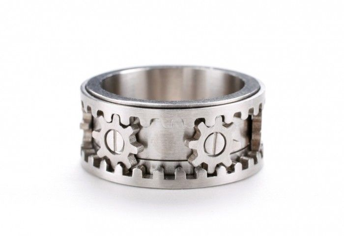 40 Unique & Unusual Wedding Rings for Him & Her ... mechanic ring └▶ └▶ http://www.pouted.com/?p=32655