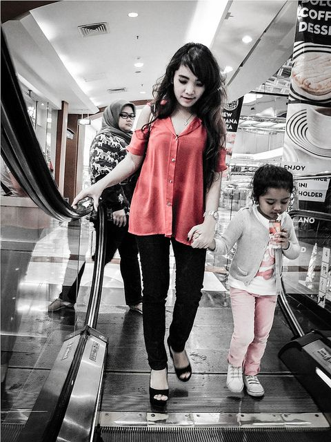 #Pretty #young #Lady and the kid