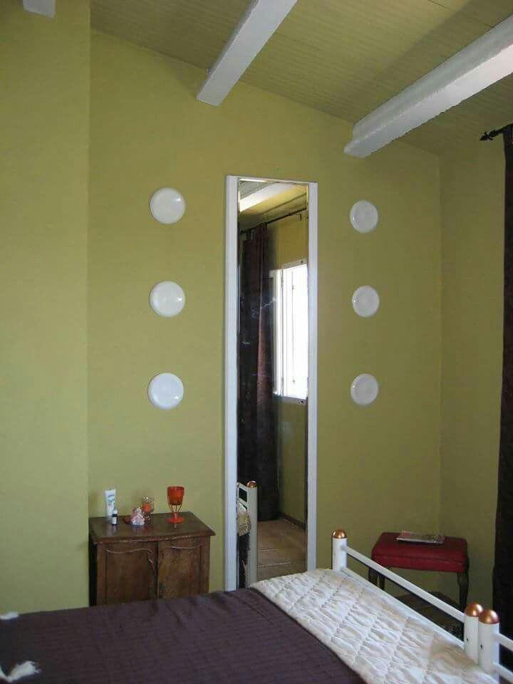 Dormiorio olivo en casa de verano, estilo rústico. Оливковая спальня в гостевом доме. Torrelletes, Castellet i la gornal, Barcelona, España #dormitorio #rustico #diseño #Pinturasbcn