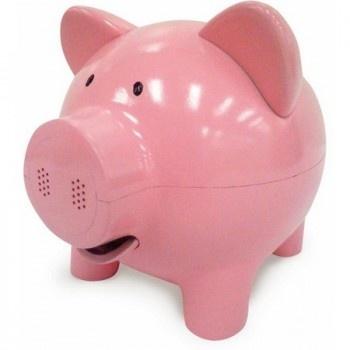 La tirelire musicale Piggy est le gadget fun à se procurer de toute urgence ! Capable d'épargner votre monnaie tout en chanson, celle-ci conviendra aux plus petits comme aux plus grands... Vous allez l'adorer à coup sûr ! Ce gadget fun, totalement hilarant, est à retrouver sur www.pinklemon.fr ! Pinklemon, le zeste de gadget fun.