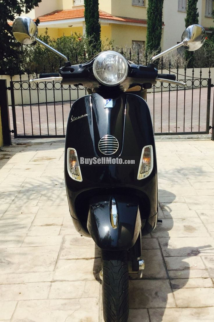 VESPA - LX150, Scooter, 126-250cc, 2010, USED, Black LX 150 excellent condition with regular services and all tools and handbooks.