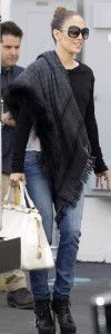 Fall outfit with a black Gucci scarf, black jumper, jeans and black sunglasses. Learn how to wear a scarf this fall >>> http://justbestylish.com/20-stylish-ways-how-to-wear-scarf-this-fall/2/