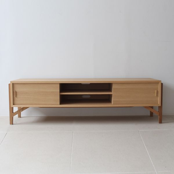 Tolime+ TV board 150:トリム プラス | テレビボード | 国産 | 東京、目黒通りにあるインテリアショップカーフ、ブラックボードのオンラインサイトです。オリジナルデザインの家具や、北欧,英国ビンテージ・アンティーク・インダストリアル家具・照明を取り扱っております。