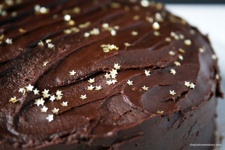 http://thepinkrosebakery.com/2015/01/20/on-a-clear-night-you-can-see-the-stars-chocolate-cake/