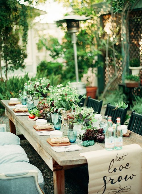 Lovely Table Styling via The Sparrow and The Crow.