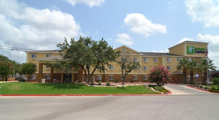 Holiday Inn Express Hotel & Suites San Antonio-Airport North San Antonio Offering free wireless internet access and a free hot breakfast buffet, this hotel in San Antonio, Texas hotel is only minutes from the airport and downtown attractions.