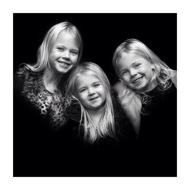 Tre små prinsesser klar til at eventyr med Akrobath