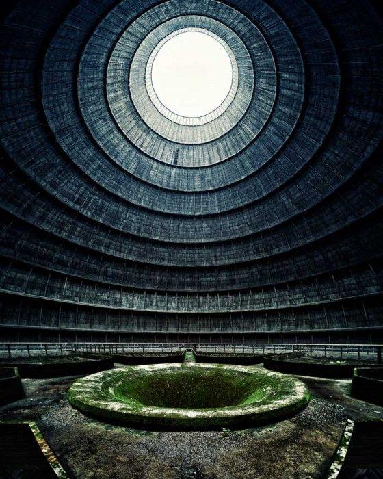 16- Planta de energía nuclear abandonada. Bélgica.