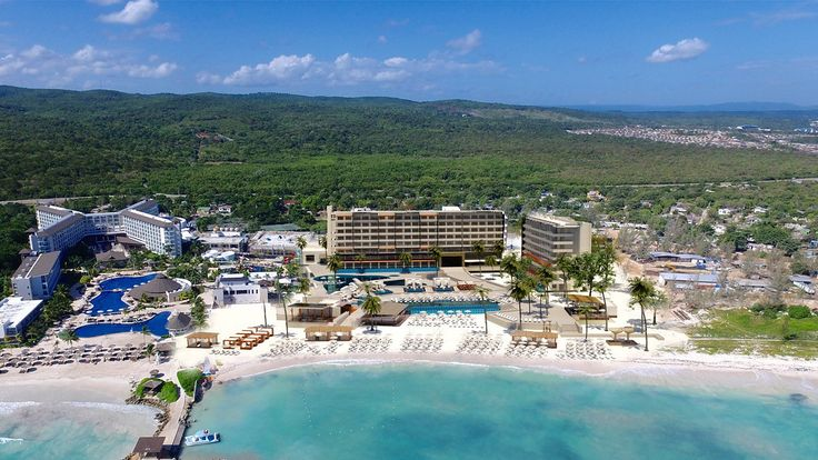 All-inclusive family resort in the Caribbean | Royalton Blue Waters