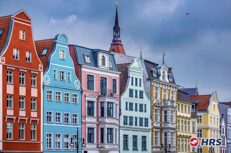 Bewundert die gotische Backsteinarchitektur der Hafenstadt #Rostock  Entdeckt die schöne Hansestadt Rostock im Frühling und macht das elegante 4-Sterne Steigenberger #Hotel Sonne zum Ausgangspunkt für eure Stadterkundung. Der Preis pro Nacht zu zweit liegt bei 59€ und Frühstück könnt ihr für 14€ pro Person vor Ort hinzubuchen!
