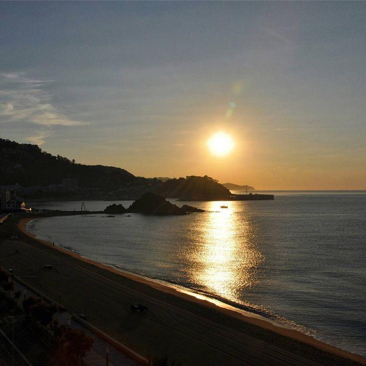 Sunrise Costa Brava, Espanja # CostaBrava #blanes #calafell #turismeblanes #blanesbeach #blanesplaya #platjablanes #visitspain #catalunya #catalunia #catalunyafotos #catalunyaexperience #spain # españa #barcelona #spainbeaches #spain_vacations