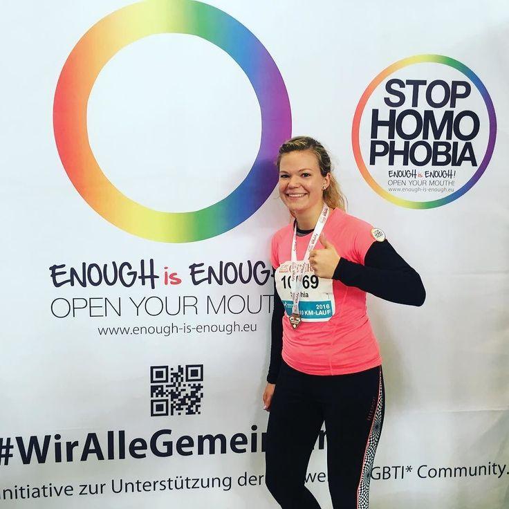 #Marathon 10km  Sophia hat es geschafft. In knapp 52 Minuten war sie im Ziel. Und wir sagen vielen Dank für Deinen Support! #Charity #LaufendGutesTun  #EnoughisEnough #StopHomophobia #LGBTI #Community #gay #vielfaltsport #stophomophobiainsports #münchen #marathon #sport #athleten #olympiazentrum #olympiahalle