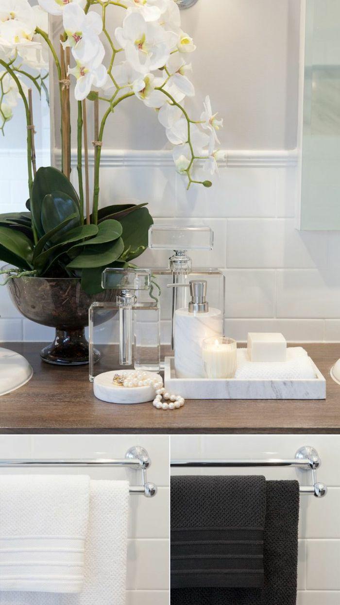 Wie Sehen Die Tucher In Verschiedener Farben Am Hintergrund Der Badfliesen Badezimmer Badezimmer Dekor Deko Ideen