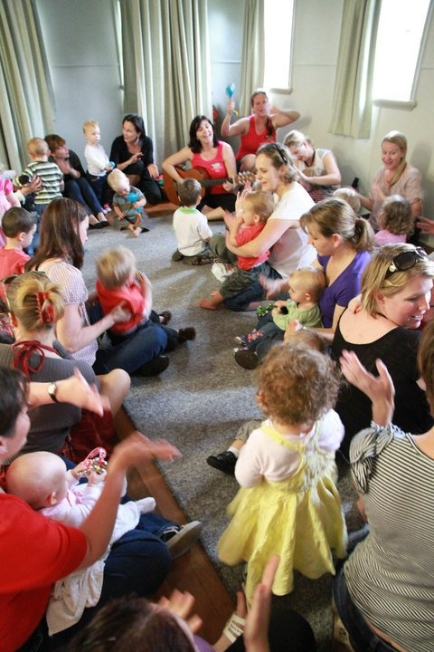 Boppin Babies to entertain the kids #boppinbabies #pinterest #brisbane #funforkids #boutiquemarkets #markets #familymarkets #mummymarkets #billycartmarkets #baby #christmas www.facebook.com/billycartmarkets www.billycartmarkets.com