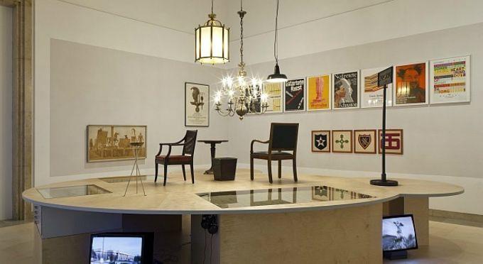 Haus der Kunst München Résistance, bei Wilfried Petzi. #Munchen DIE STADT DIE #INNENARCHITEKTUR UND #KUNST VERSCHMELZT. Sehen Sie mehr: http://wohnenmitklassikern.com/projekte/munchen-die-stadt-die-innenarchitektur-und-kunst-verschmelzt/