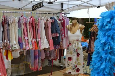 Bondi Markets - On Sundays Bondi Public School is transformed from school grounds to community market.