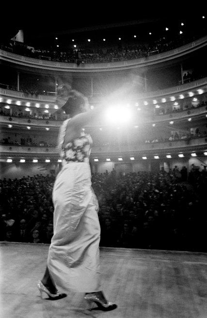Review: 'What Happened, Miss Simone?' Documents Nina Simone's Rise as Singer and Activist - The New York Times