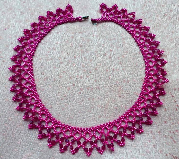 Free pattern for amazing beaded necklace Incanto U need: seed beads 11/0 bicone beads 3-4