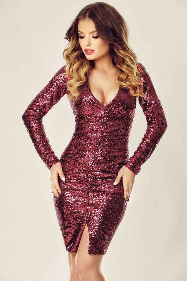 Awesome short sequined evening dress in burgundy hues