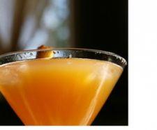 Sekt-Cocktail mit Pfirsich Rezept