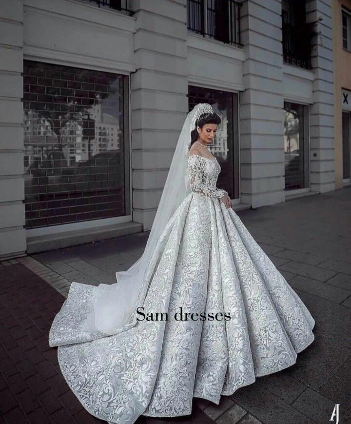 Very Pretty But Looks Very Heavy Weddings All That That Implies