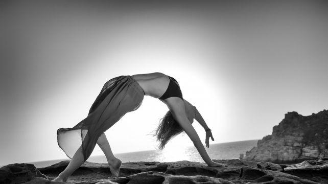 Dream Anasa Vinyasa Yoga Practice on the Greek islands   Vinyasa Anasa Yoga retreat, Yoga holiday Greek island retreat   Combadi #yoga  #asana #Greece