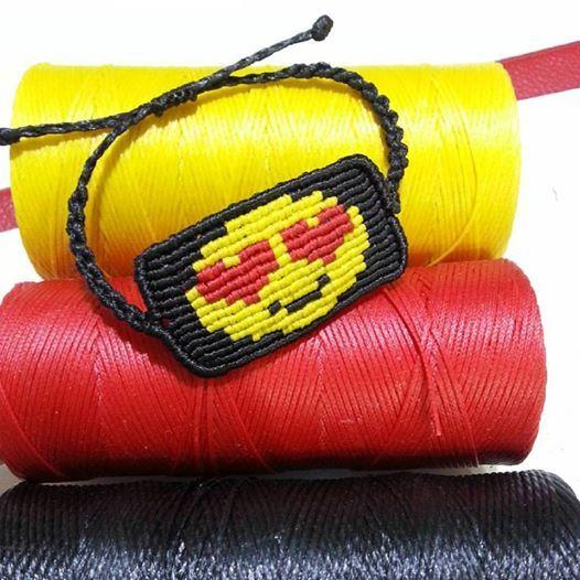 smile face macrame bracelet