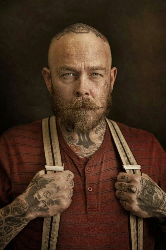 bertus one of the owners of Schorem barbieren en haarsnijders te Rotterdam. Photocredits: the amazing Krijn van Noordwijk