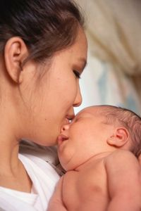 Bonding with your Newborn Enhances Future Communication Skills - http://www.babyfirstyear.org/bonding-with-your-newborn-enhances-future-communication-skills.html